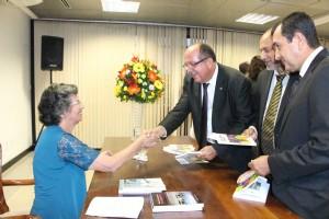 arimateia-homenageado-livro-lelia-oliveira